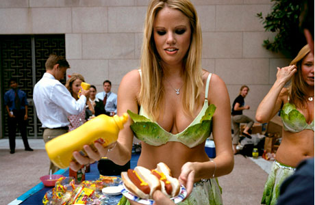 lettuce-bikini-and-hot-dogs.jpg